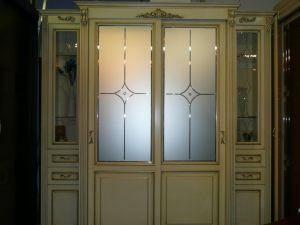 Классический шкаф купе массив с фацетными зеркалами и гравировкой Минусинск