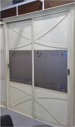 Классический шкаф купе с эксклюзивным декором Минусинск